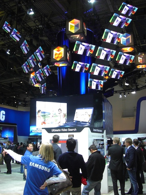 Samsung CES 2011 Booth Vertical Screens