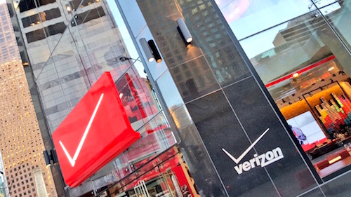 Verizon Destionation Store Chicago